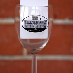 Personalized wine glass with logo in black